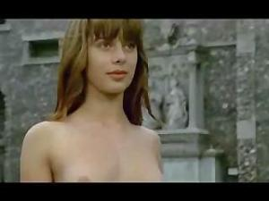 Video Nastassja Kinski In To The Devil A Daughter