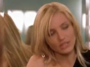 Video Cameron Diaz & Christina Applegate In Bikini And Boob Grab