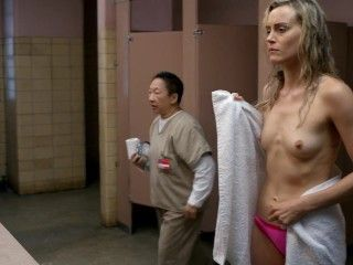 Video Taylor Schilling, Laura Prepon - Orange Is The New Black S03E02-06