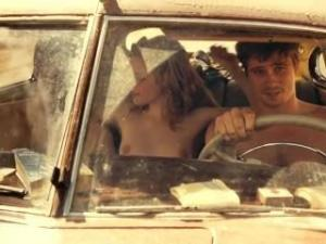 Video Kristen Stewart Desnuda - En La Carretera (2012)
