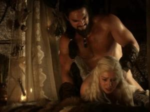 Video Emilia Clarke Naked Game Of Thrones S01E02
