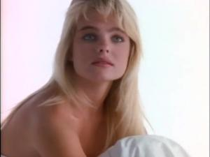 Video Erika Eleniak Desnuda - Playmate Calendario 1991
