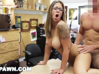 Video Layla London And Her Big Tits Walk Throug The Door