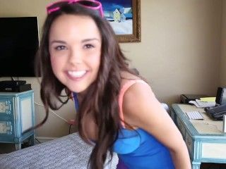 Video Dillion Harper Strips & Touches Herself