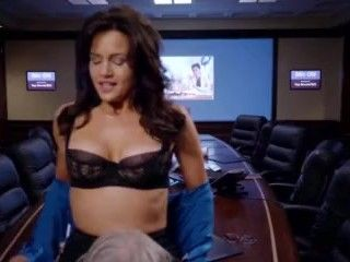 Video Carla Gugino – The Brink (2015) S1E10