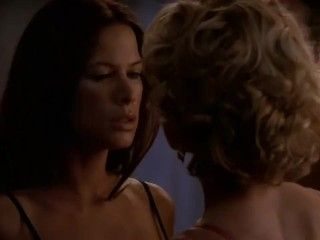 Video Kelly Carlson, Rhona Mitra - Nip Tuck