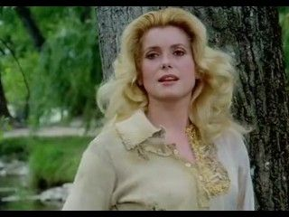 Video Catherine Deneuve - Casotto Beach House (1977)
