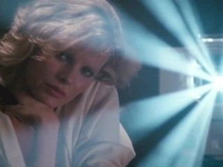 Video Kim Basinger ** Masturbates Whilst Watching Lesbians**
