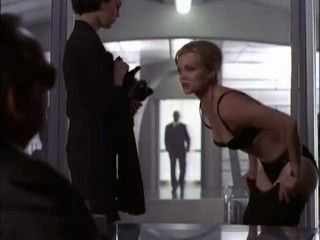Video Dina Meyer - Secret Agent Man S1E11 - T K O