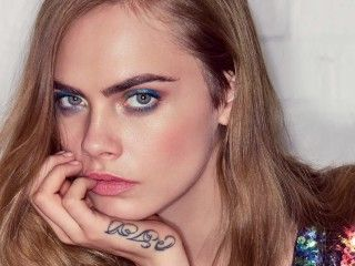 Video Cara Delevingne