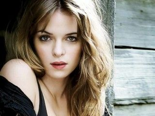 Video Danielle Panabaker Jerk Off Challenge