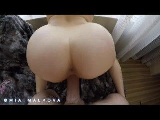 Video Mia Malkova Bouncing Her Perfect Ass On A Big Dick Before Getting Creampie