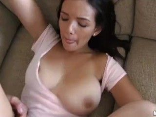 Video Beautiful Chick Makes Homeade Porn