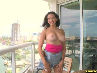 Video Shae Summers In Real Feel - Only Big Ole Natural Titties