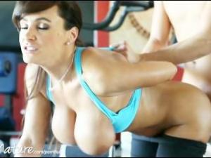 Video Lisa Ann Follando En El Gimnasio