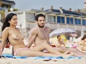 Video Inma Cuesta En Topless - Primos