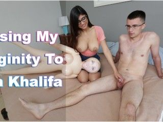 Video Mia Khalifa - Nerdy Fan Loses His Virginity To His Favorite Pornstar