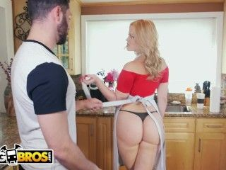 Video Bangbros - Pawg Alexis Texas Stops By Ass Parade To Help Us Tidy Up