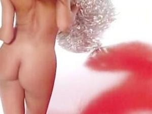 Video Carmen Electra - Playboy Strip
