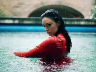Video Clare Richards Wet Red Dress