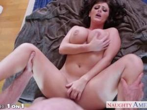 Video Sexy Brunette Housewife Sophie Dee Fucking