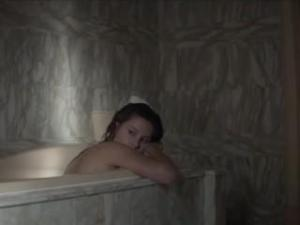 Video Adele Exarchopoulos Desnuda - Fire (2015)