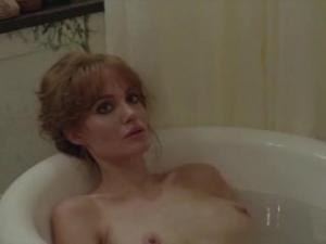 Video Angelina Jolie Nude By The Sea (2015)