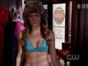 Video Shantel Vansanten In Bikini - One Tree Hill