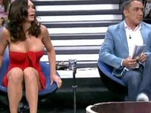 Video Yola Berrocal Con La Teta Fuera En Salvame