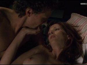 Video Kelly Reilly Desnuda Y Follando - Puffball (2007)