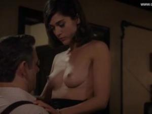 Video Lizzy Caplan - Perky Boobs, Topless - Masters Of Sex S02E10 (2014)