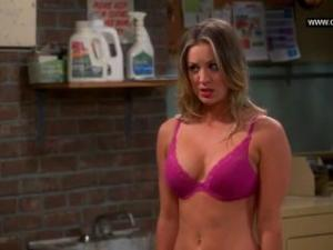 Video Kaley Cuoco - Flashes Her Bra, Big Boobs - The Big Bang Theory S07E11