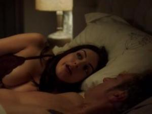 Video Elizabeth Gillies In Bra Sex & Drugs & Rock & Roll S02 E04