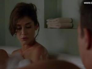 Video Lizzy Caplan Desnuda En La Bañera - Masters Of Sex