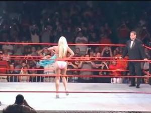 Video Wwe Divas Torrie Wilson Vs. Stacy Keibler Vs. Ivory Wwe Live Bikini Co