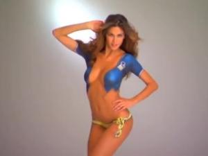 Video Melissa Satta Body Painting