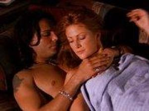Video Angie Everhart - Sexual Predator