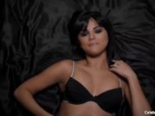 Video Selena Gomez Leaked Nude Photos And Hot Lingerie Video