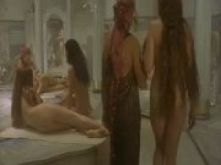 Video Marie Gillain Nude - Harem Suare (1999)